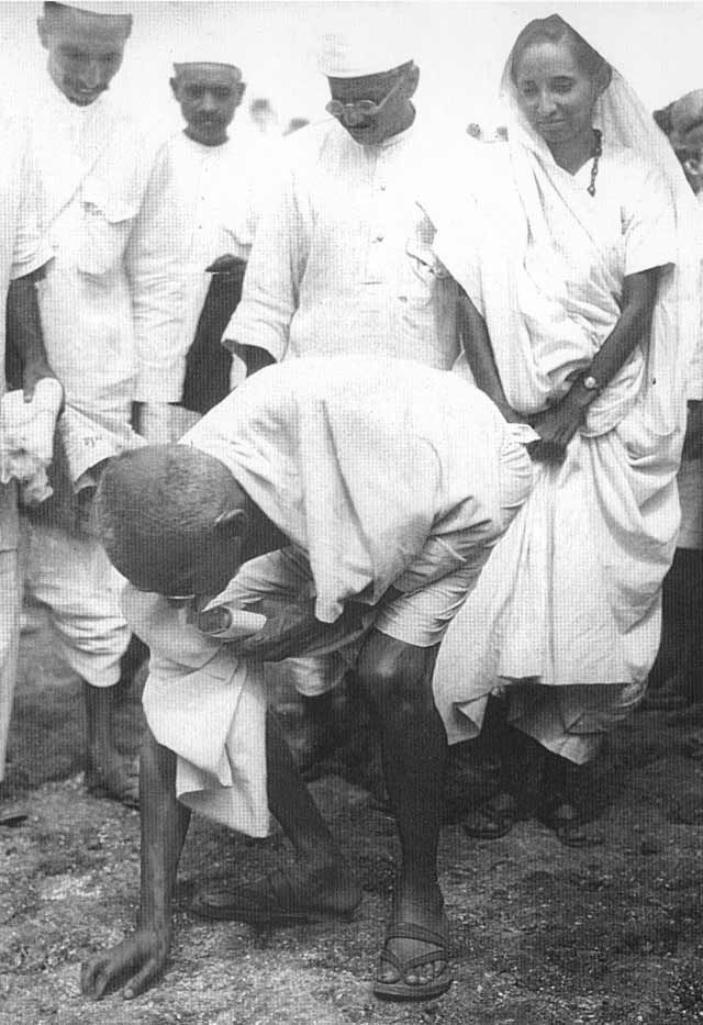 PeacePower: The Pinch Heard 'Round the World - 1930, Gandhi breaks the salt laws to protest the British monopoly on salt production in India.