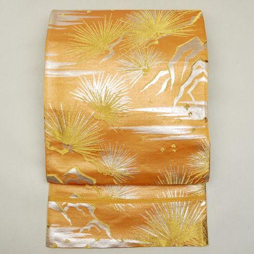 Gold, silk nagoya obi / 金銀で吉祥の松枝柄を施したミセス向きの袋帯    #Kimono #Japan http://global.rakuten.com/en/store/aiyama/