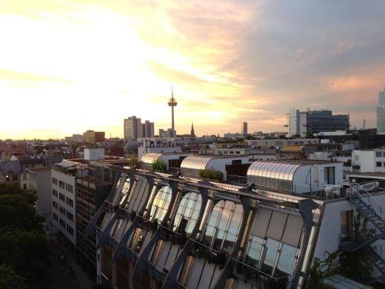 Ruhige Traumwohnung (2 Zim) am Neumarkt mit Domblick inkl TG - Wohnung in Köln-Altstadt-Nord