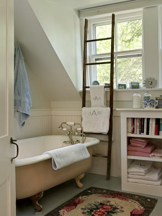 Love this idea! Ladder Towel Bar Design, Pictures, Remodel, Decor and Ideas: Bathroom Design, Ideas, Towel Racks, Old Ladders, Bathroom Storage, Clawfoot Tubs, Vintage Ladder, Towels Racks, Traditional Bathroom