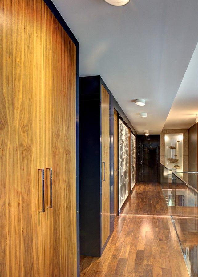 Zabudowane szafy w przedpokoju interior design hall house home inspiration furniture