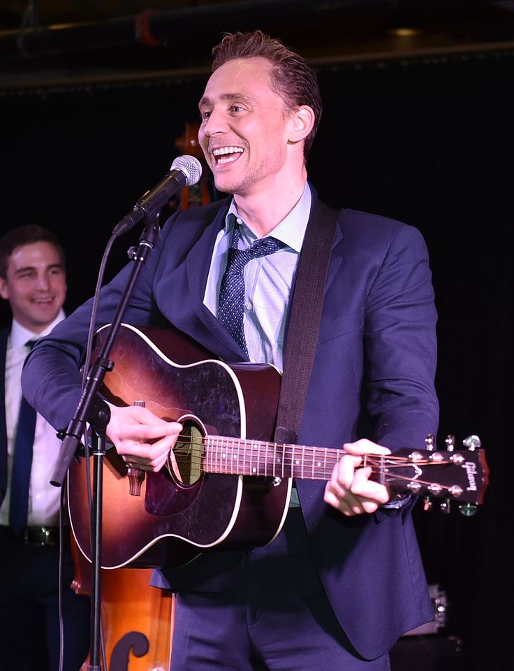 Tom Hiddleston performs at the after party for the premiere of 'I Saw The Light' 17.10.2015  in Nashville, Tennessee From http://tw.weibo.com/torilla/4031711966674004