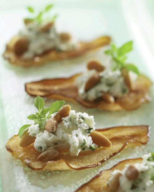 Baked pear crisps w/ goat cheese & pine nuts. http://learnlivelovelocal.com/recipes_recipe.php?id=35