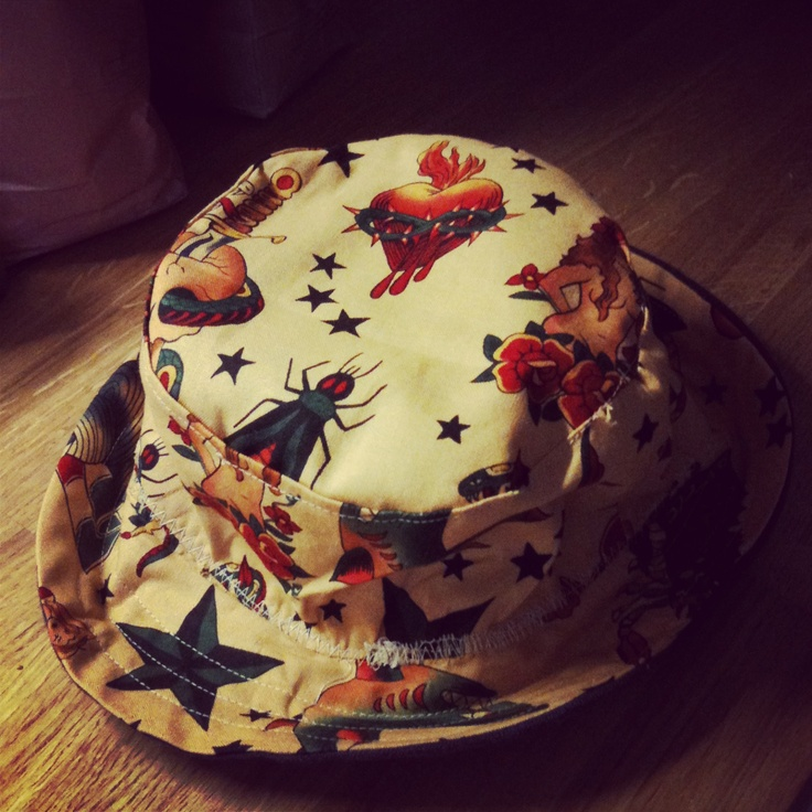 Reversible hat for Danny (2/2)