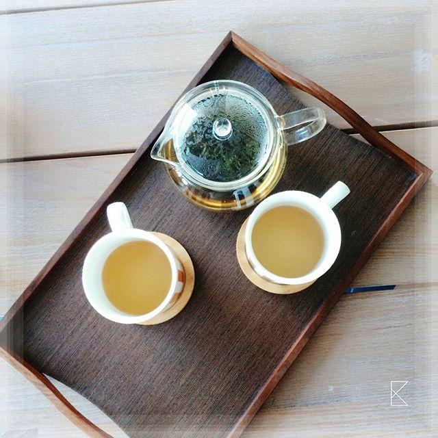 Wish you have a great weekend!! And hope it involves some tasty organic, no-spray and uniquely delightful teas! #oneofus 🌿🌿🌿 - - -  #winterdrink #organictea #teafortwo #tastek #tastekaleidoscope #tasteK #fridaymood #minttea