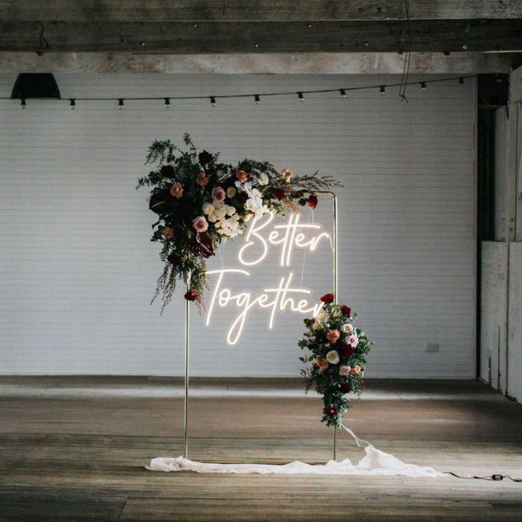 Néon LED pour une déco de mariage qui sort du lot !