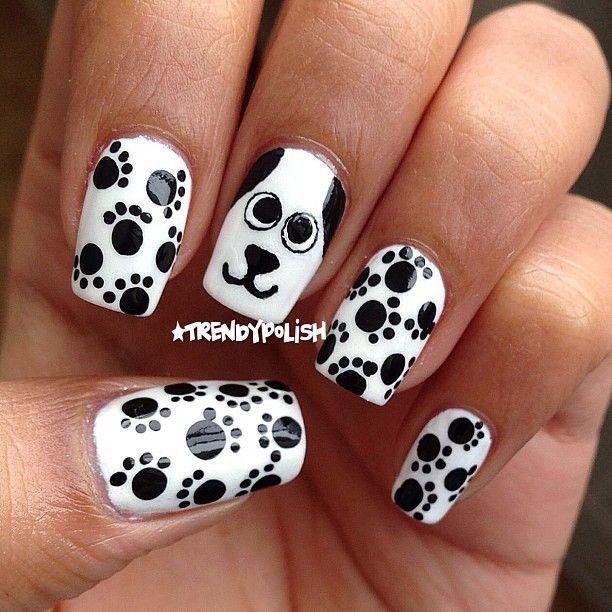 uñas blancas con perritos