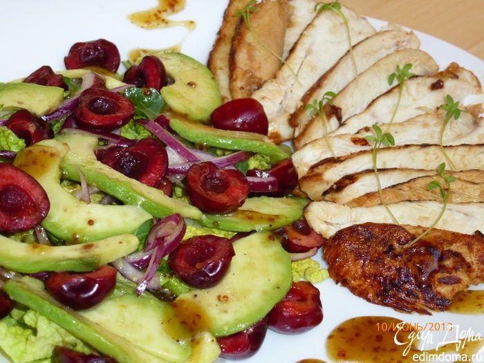 Теплый салат с черешней и курицей   Кулинарные рецепты от «Едим дома!»