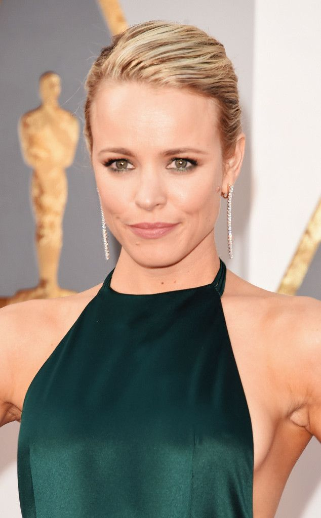 Rachel McAdams from Best Beauty Looks From the Oscars 2016  Thisis how a smoky under-eye should be done...without looking like you slept in your makeup.