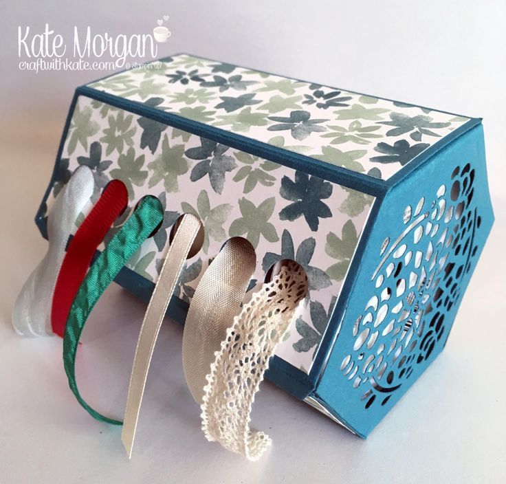 FREE TUTORIAL using Stampin' Up!s Window Box Framelits to create this Ribbon Dispenser by Kate Morgan, Independent Demonstrator, Australia. #occasions2017