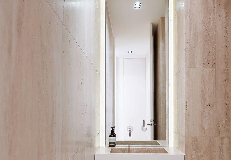 25 beste idee n over kleine badkamers op pinterest kleine badkamer moderne kleine badkamers - Kleine badkamer met douche al italiaanse ...