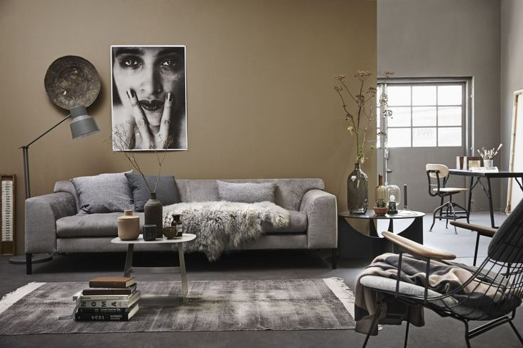 Zithoek met warme kleuren | Seating with warm colors | Photographer Alexander van Berge | Styling Cleo Scheulderman | vtwonen October 2015