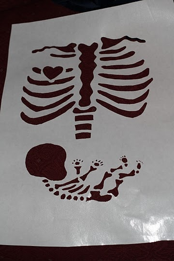 Maternity skeleton shirt tutorial- not only did this turn out great but now I have a skill that I have used a few times since this project!