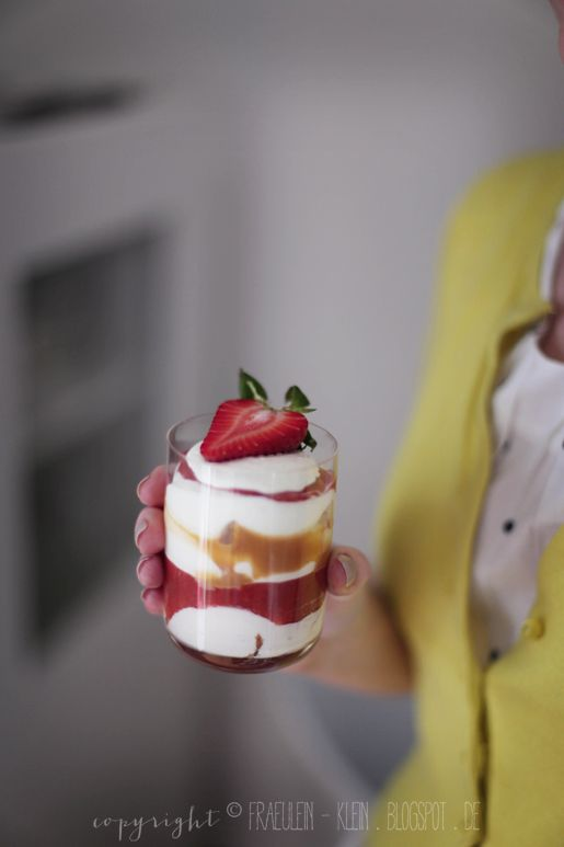 tiramisu fraise-rhubarbe au caramel