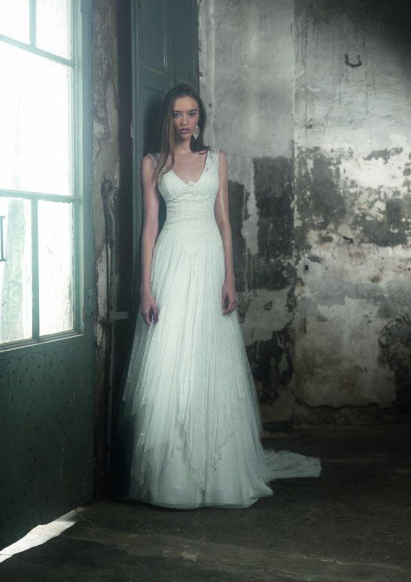 The 28 best Raimon Bundo images on Pinterest   Wedding frocks ...