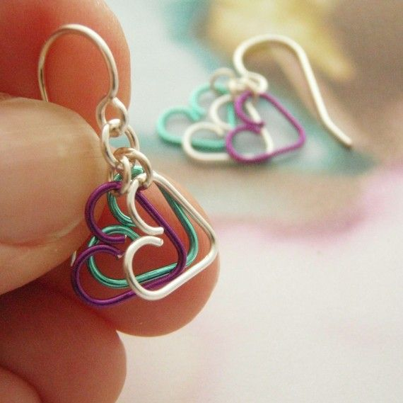 So adorable - love the idea of working with different wire colors