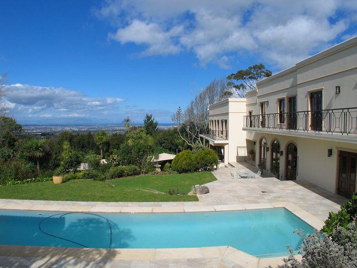 Luxury Accommodation in Constantia