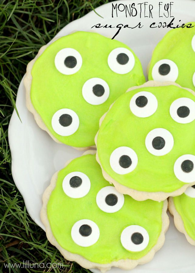 Monster Eye Sugar Cookies - perfect for Halloween or a Monster party!