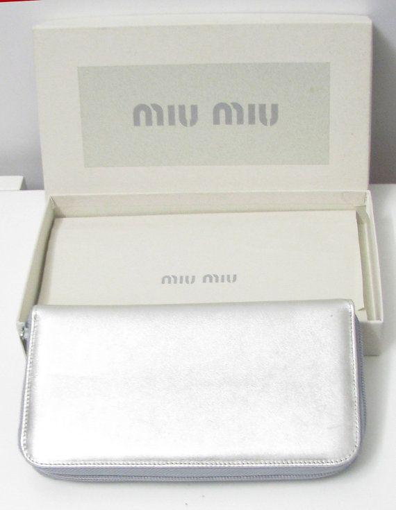 MIU MIU pochette vintage argenté en cuir par PauletteVintage