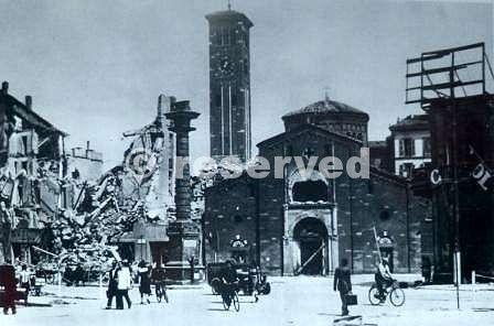 1943-Milano-San-Babila-bombardata_ww2