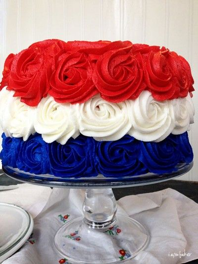 Red White and Blue Cake from @Amanda RettkeFourth Of July, Red White Blue, 4Th Of July, Blue Cake, July 4Th, Blue Rose, Rose Cake, Cake Tutorials, Patriots Rose