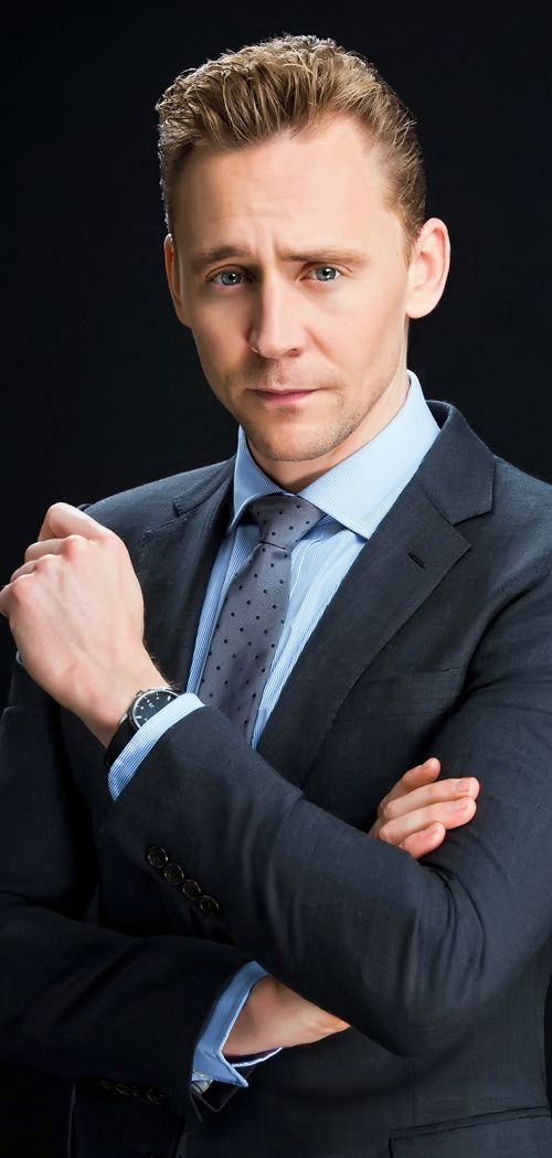 Tom Hiddleston photographed by Kirk McKoy for Los Angeles Times on April 25, 2016 in Los Angeles, California. Full size image: http://ww2.sinaimg.cn/large/6e14d388gw1f50iad4rizj211x1kwnay.jpg Source: Torrilla, Weibo
