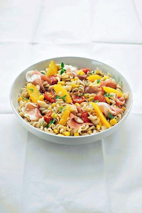 """Het lekkerste recept voor """"Koude pastasalade met perziken"""" vind je bij njam! Ontdek nu meer dan duizenden smakelijke njam!-recepten voor alledaags kookplezier!"""