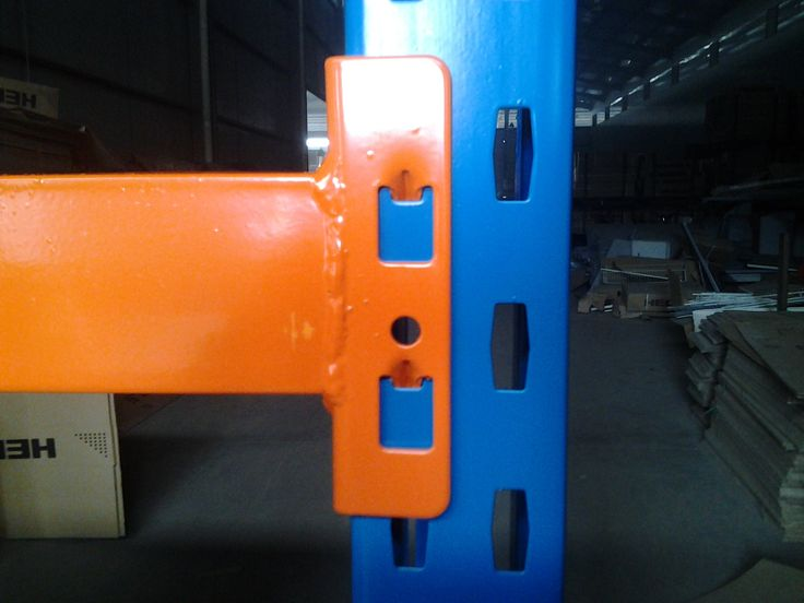 the connection of upright and beam of long span racking .  skype :notsosimple610