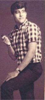 Young Vinod Khanna