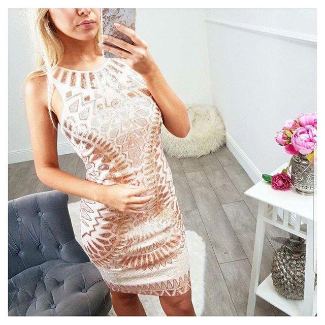www.by-blondie.com  Quelle sera votre plus belle robe pour les fêtes ?