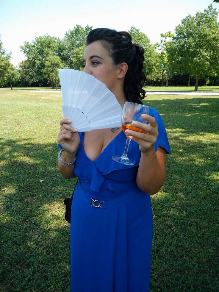 Pose artistiche 😅😂💋💃🏻🍹 #wedding #fun #friends #photooftheday #miss #lady #spritz #mihannoobbligata #dress #blue