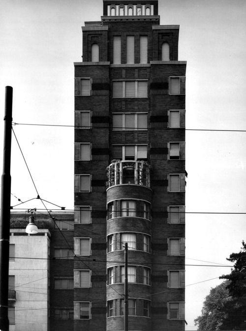 Gi ponti torre rasini milano 1935 architecture for Via lima 7 roma