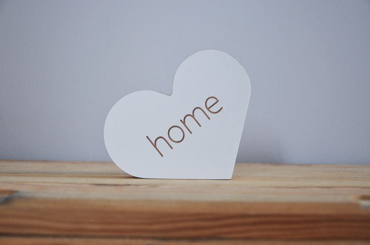Drewniane serce z napisem home