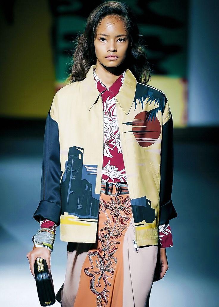 Malaika Firth at Prada Spring 2014.  - Mode prêt à porter - Haute couture - Prada