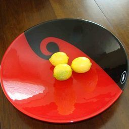 Art Glass Bowls from Maori Boy. Stunning NZ Gifts for weddings or to mark a special occasion http://www.newzealandshowcase.com/productdetails.cfm/productid/382