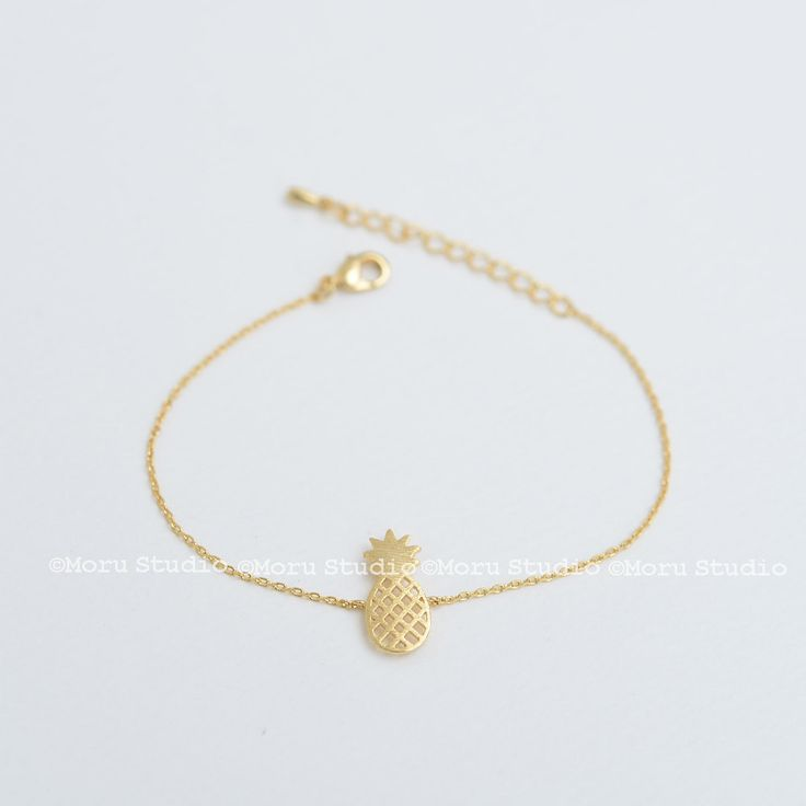 Dainty Pineapple Bracelet - Available in Gold, Silver, Rose Gold. Delicate Pineapple Bracelet, BFF, Friendship Bracelet, Gift Idea BCR118 by MoruStudio on Etsy