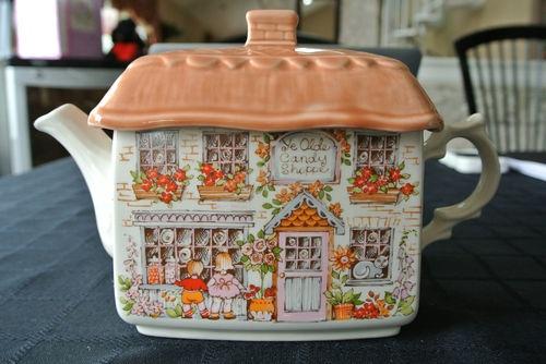 SUPERB VINTAGE Sadler ENGLAND Ye Olde Candy Shoppe TEAPOT Tea Pot EXCELLENT