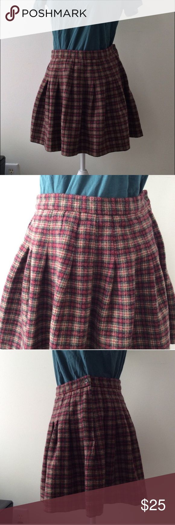 Abercrombie and Fitch wool plaid mini skirt ✨ Vintage Abercrombie and Fitch wool skirt ✨ size large and true to size! In great condition (does have age but NO rips or holes!) feel like a kawaii cheerleader in this 💕 Abercrombie & Fitch Skirts Mini