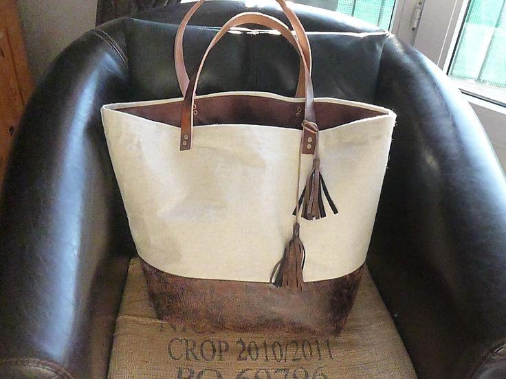sac cabas bi matière en lin et imitation cuir vieilli avec des anses en cuir véritable camel rivets bronze