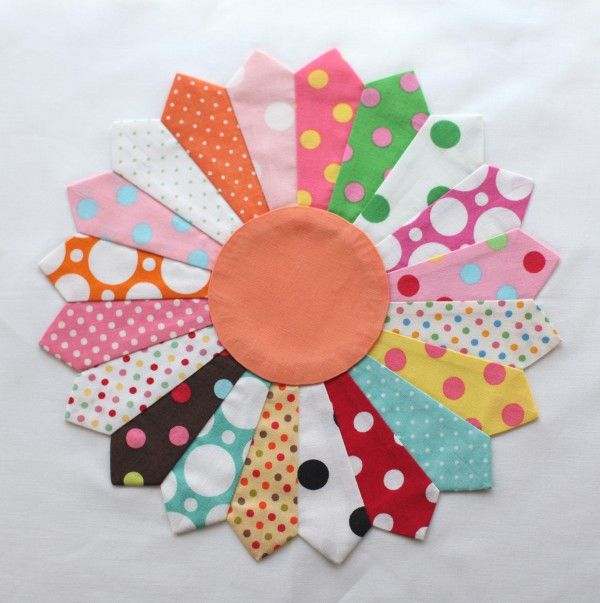 Scrappy Dresden Plate! So Pretty! Got to make one! Scrap pile calling me!!