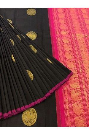 Beautiful Black Zari Motif Special Kanjeevaram Silk Saree Product Code: AC210556 Price: ₹10,250 #Wedding #Kanchipuram #Kanjivaram #Kanjeevaram #Designersarees #Ethnicwear #Exclusivedesign #India # Saree fashion #Sari #Beautiful Saree #wedding #bridalwear #indianwedding #designer #bridal #desi #indianfashion #partywear #ethnic #sarees #onlineshopping Sarees #indianbride #indianwear #Saree love #uk #usa # canada #traditional #gorgeous #bride #elegant