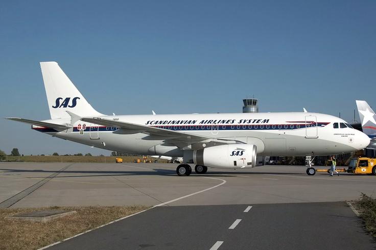 Airbus A319 in retro colors