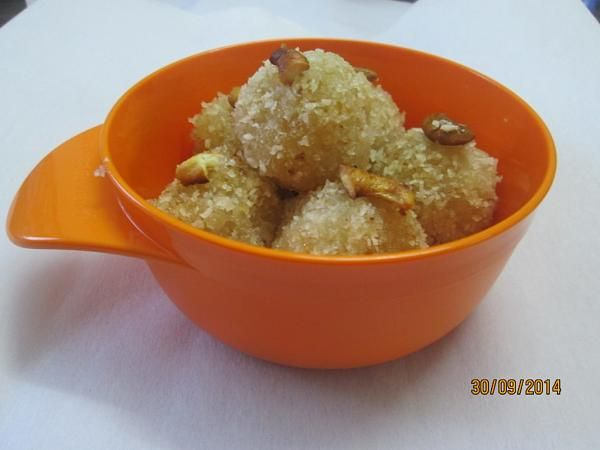 Coconut Ladoo - a traditional Indian sweet / Indian dessert - made out of 4 ingredients. Deliciously soft! Gluten free!!