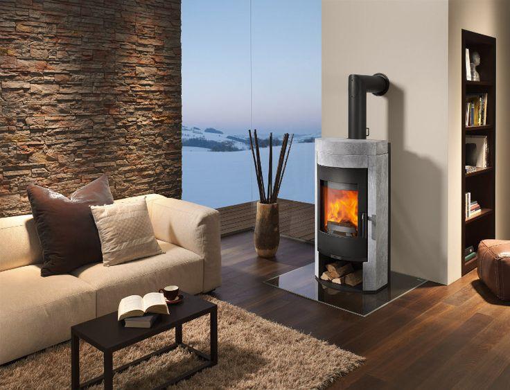 Holzöfen mit Wassersack erlauben Warmwasserbereitung im ganzen Haus und sogar Zentralheizung. Ofenleistung, Speicher und Installation müssen aber stimmen.