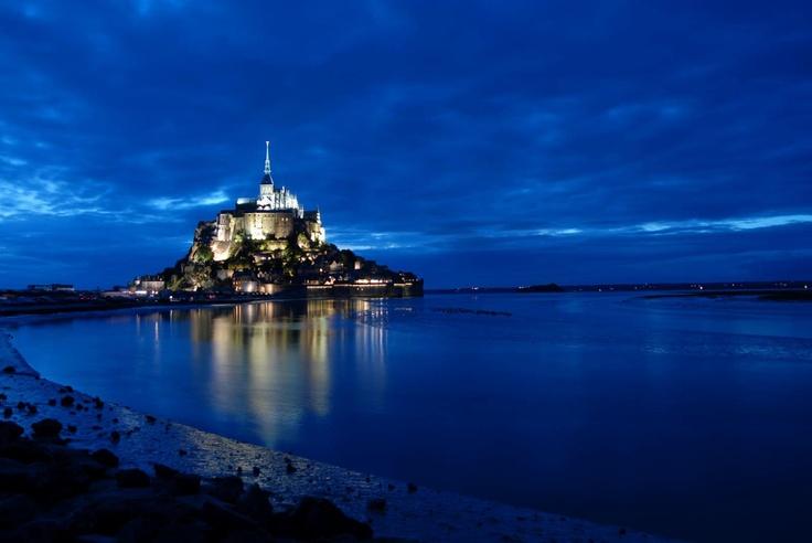 Qu'il est beau notre Mont Saint Michel Normand .... Savourez et commentez !! Bises à tous !!! Valérie www.martinaa.fr