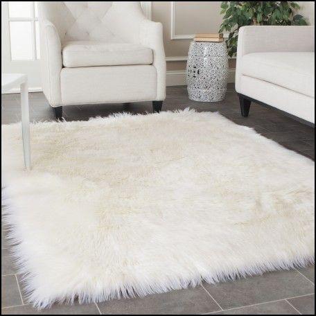 Best 25 Fluffy Rug Ideas On Pinterest White Fluffy Rug