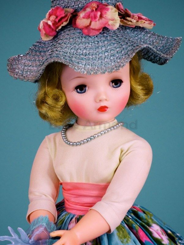 """Rare boxed outfit, one of the last """"extra"""" outfits made for Cissy in 1960."""