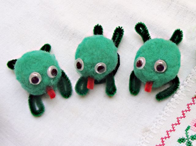 Another great Passover Craft Idea from the creativejewishmom: frogs were just one of the ten plagues!