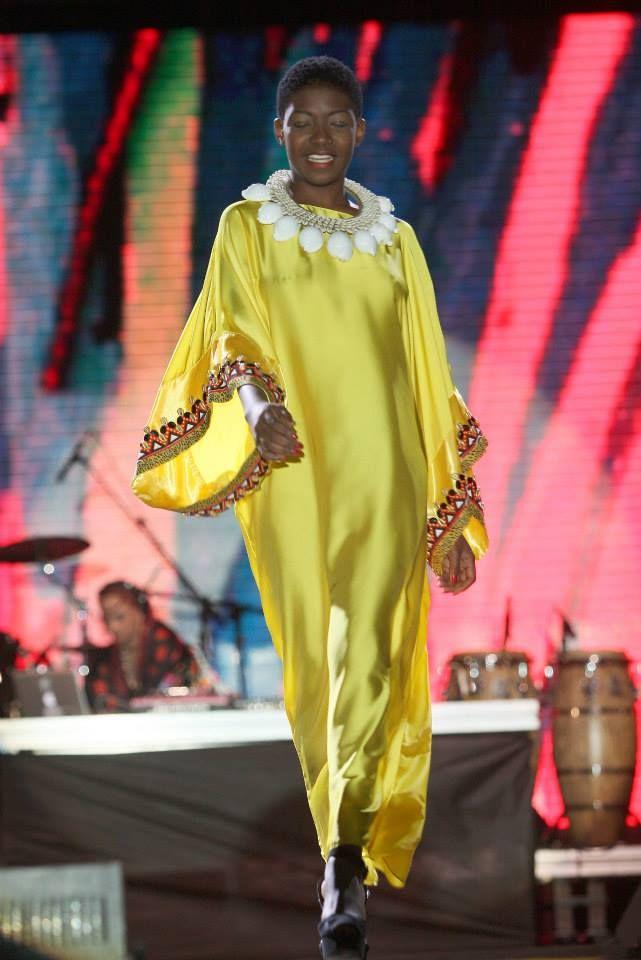 #model #BlackGirl #shine #fashion #job #makeup #golden #africa # africanstyle #roots #Photograph #light #afropunk #Brazil #style #body #face #Runway #walk #Fashionweek #smile #soul #Aishambikila @aishambikila