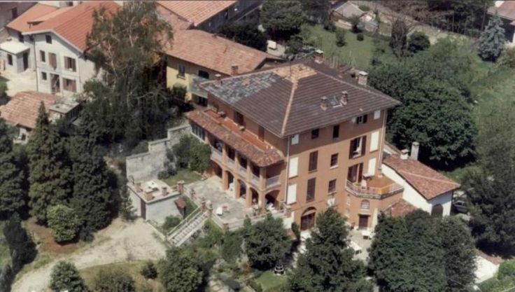 4-storey Lake Maggiore villa to restore Ref: A0186, Mombello, Lombardy. Italian holiday homes and investment property for sale.